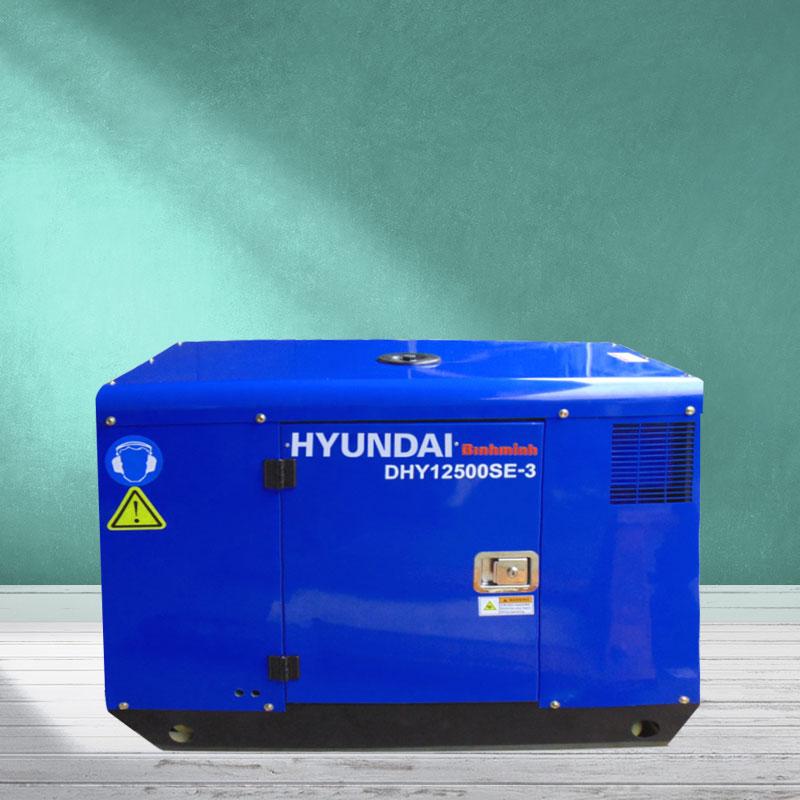 Máy phát điện Hyundai DHY12500SE-3 chạy dầu 3 pha
