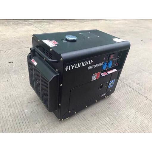 Máy phát điện chạy dầu 5kw sieu chong on. Hyundai DHY-6000SE 3